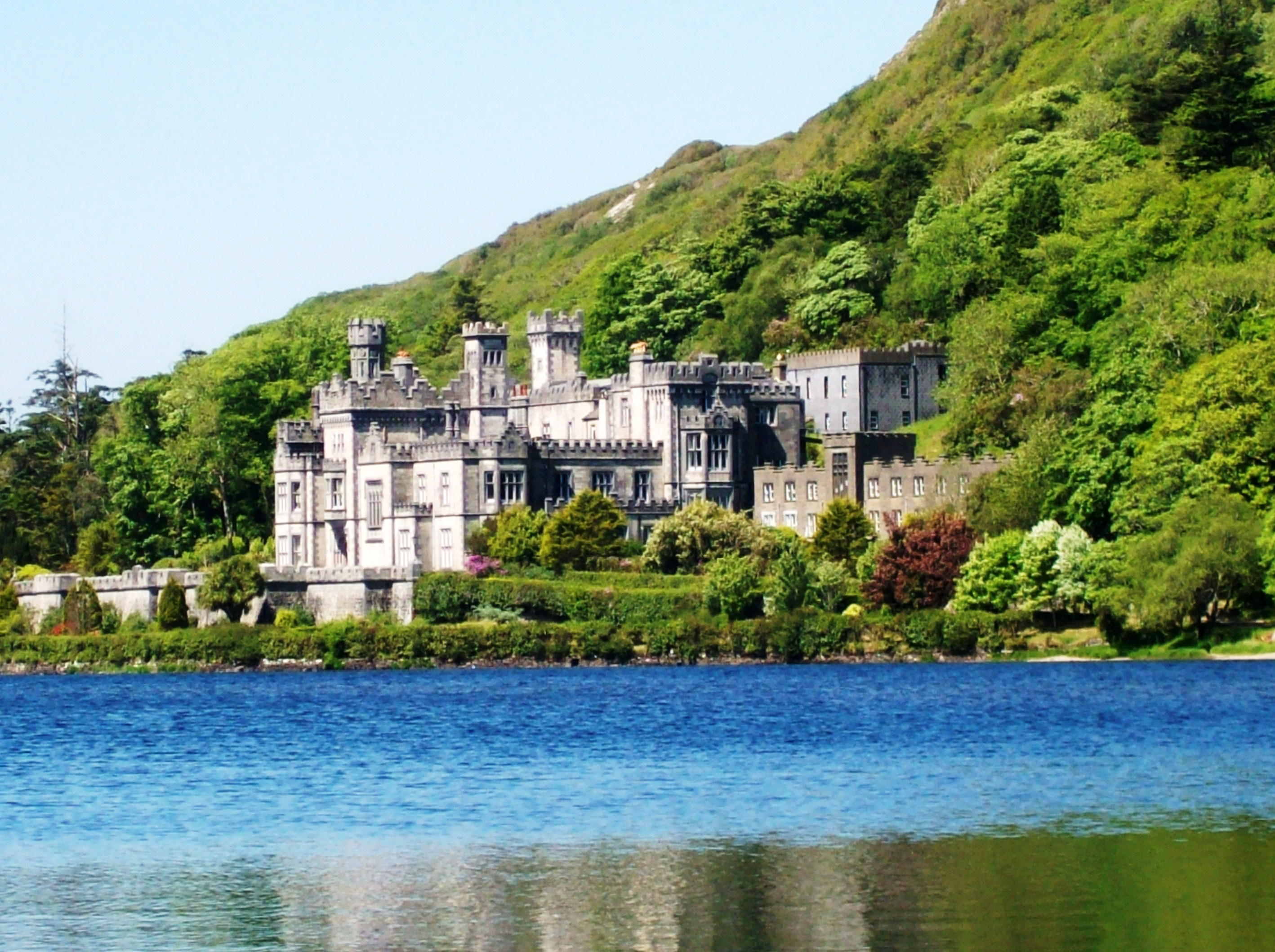 Abbey Road Wallpaper Hd Kylemore Abbey Kylemore Pass Hotel
