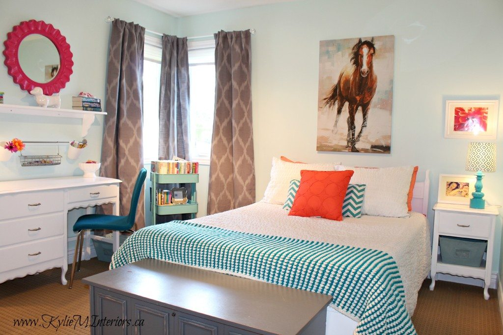 Budget friendly girls bedroom ideas light blue coral pink - Blue and white bedroom paint ideas ...