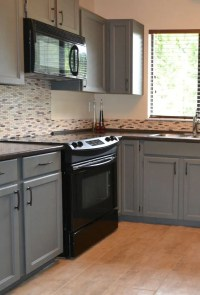 how to decorate a kitchen with black appliances and ...
