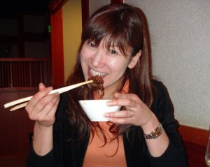 Japanese_Women_With_Chopsticks