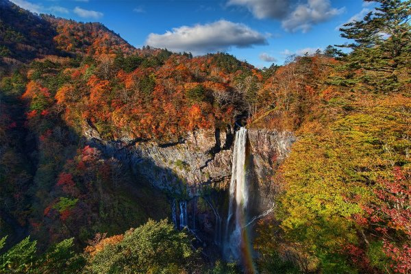 kegon_falls_in_autumn_nikko