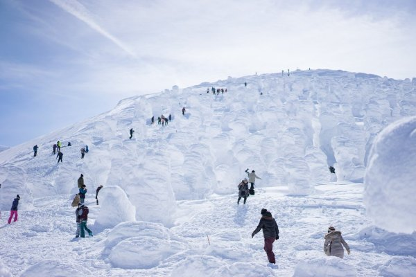 ice_monsters_at_mount_zao