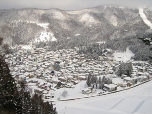 view_over_nozawa_onsen_from_top_of_hachiman_course