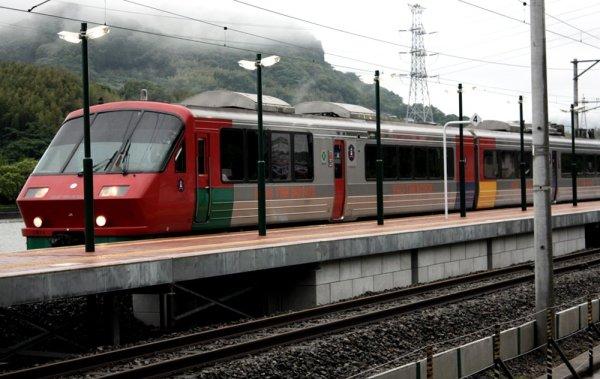 huis_ten_bosch_train_in_nagasaki