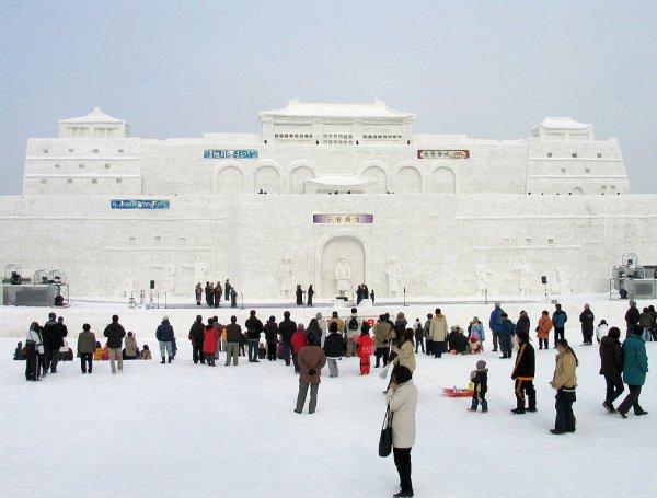 asahikawa_winter_festival_snow_statue