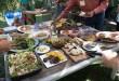 Yummy, chaque invité a apporté un petit quelque chose de chez lui, cuisiné ou cueillit dans le jardin ; la plupart des plats est végétarien !