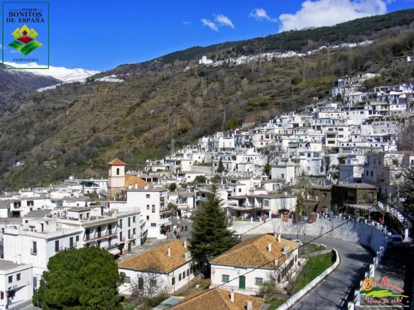 Uno de los pueblos más bonitos de España. Pampaneira junto a Capileira y Bubión son los pueblos del barranco de Poqueira.