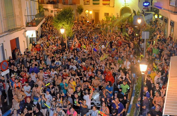 Lanjarón - Fiestas de San Juan Carrera del Agua - Autora Jo-Jo Chipper