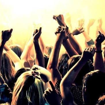Ugíjar – Fiesta sábado 25 de junio Disco Pasarela AJR