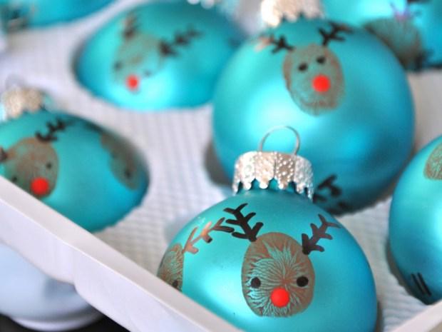 Manualidades navide as para ni os esferas con las manos - Como hacer manualidades navidenas para ninos ...