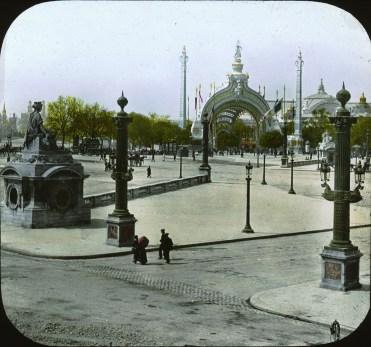 place-de-la-concorde-entrance-gate-2