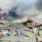 Des natures mortes de bureaux dégueulasses