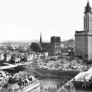 Un mélange de Paris et New York et le Centre Pompidou se promène