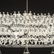 Des anciennes photos de groupes en panoramique