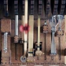 Des boites à rythmes mécaniques et programmables fabriquées à la main