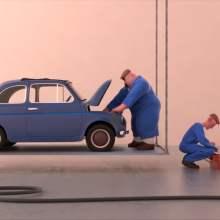 La voltige du garage dans un petit film d'animation