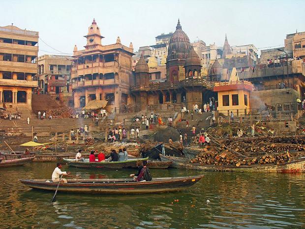 Simbiosis religiosa Benarés Ganges