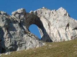 El Ojo de Buey de Peña Mea (Asturias)