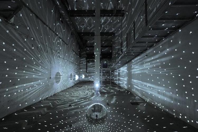 Antigua fabrica cerveza reconvertida museo arte luminoso 1