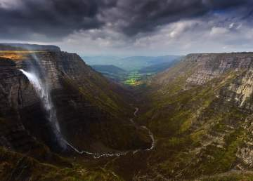 Salto del Nervión / foto Shutterstock
