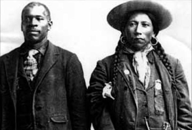 Cherokee con su esclavo / Foto Vocativ