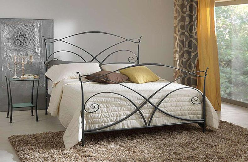 Tailor Made Wrought Iron Bed Lacasemu