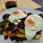 Huevos rotos con morcilla de Burgos