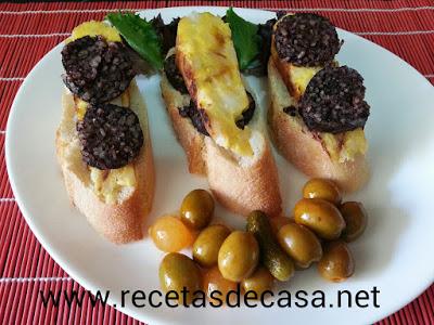 pincho de tortilla de patatas y morcilla de Burgos