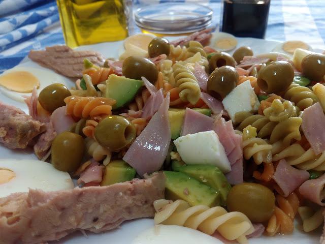 receta ensalada de pasta con salsa vinagreta para tupper
