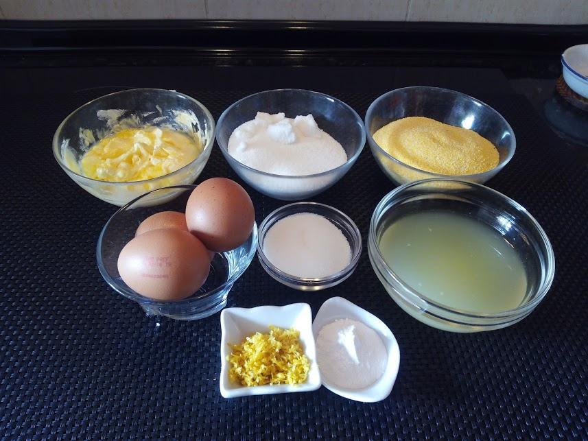 ingredientes para preparar un bizcocho de polenta y limón, sin gluten. Apto para celíacos.