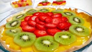 tarta de frutas con crema de limon
