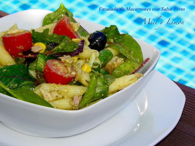 ensaladas de macarrones con salsa pesto