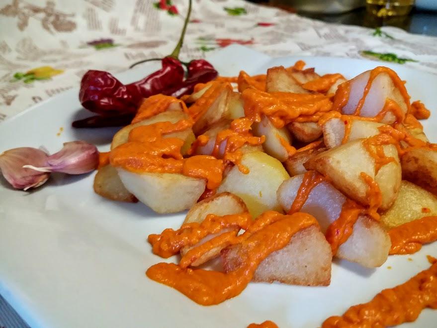 Las aut nticas patatas bravas la cocina de pedro y yolanda for Cocina de pedro y yolanda