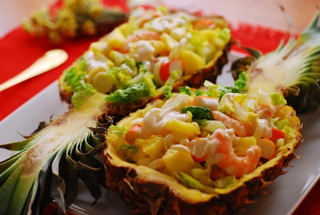 Ensaladas para navidad la cocina de pedro y yolanda - Pinas decoradas para centro de mesa ...