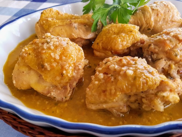 pollo en salsa de almendras