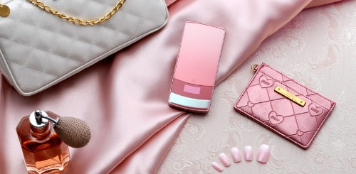 Docomo STYLE series Featuring Magic Illumination, Perfume Holder and Chocolate-Like Design (8)