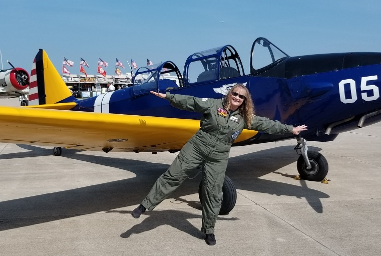 Laura Stants flying the North American T-6 Texan