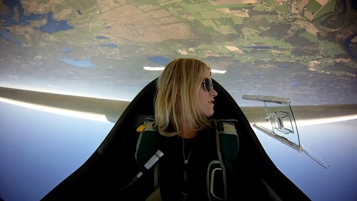 Lady Glider Pilots, TV Commercial Needs You NOW!