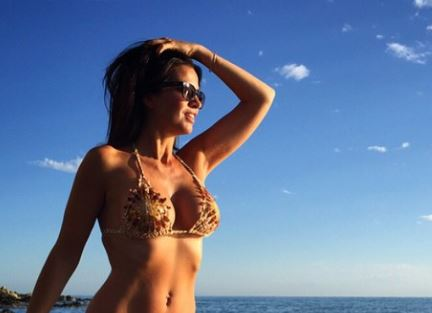 Laura Torrisi hot: in bikini al mare FOTO 3