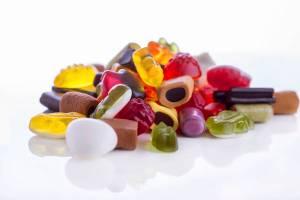 """Caramelle e latte per neonati sotto accusa: """"Dentro sostanza dannosa"""""""