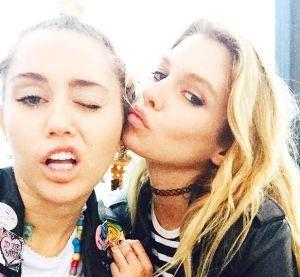 Miley Cyrus e la modella Stella Maxwell stanno insieme? L'indiscrezione