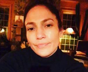 Jennifer Lopez struccata su Instagram FOTO