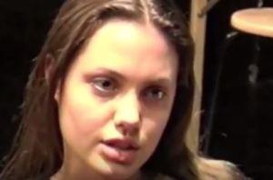 Angelina Jolie, altro che perfetta: ecco com'era a 25 anni VIDEO
