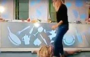 Lisa Fusco spaccata (con caduta) dedicata a...