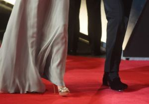 Kate Middleton, orecchini da 13mila$ e scarpe Jimmy Choo FOTO