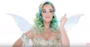 "Katy Perry ""Everyday is a holiday"" per collezione natalizia H&M"