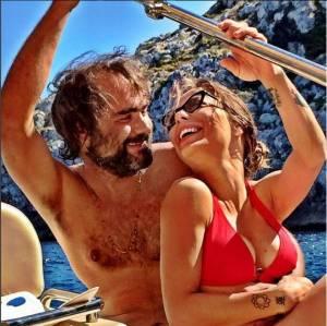 Naike Rivelli e Yari Carrisi si sono lasciati. Ma lei su Twitter...