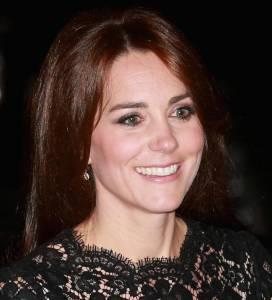 Kate Middleton copia Monica Bellucci: stesso vestito FOTO m