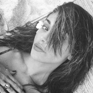 Belen Rodriguez, mistero sull'anello indossato dalla showgirl