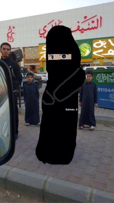 Arabia Saudita, bambola con braccia e volto scoperti: arrestata4